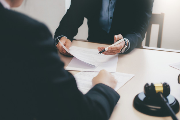 11 - The 4 main things to consider when interviewing a lawyer