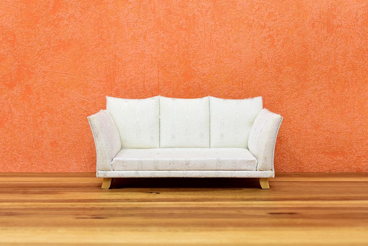ספה בצבע לבן