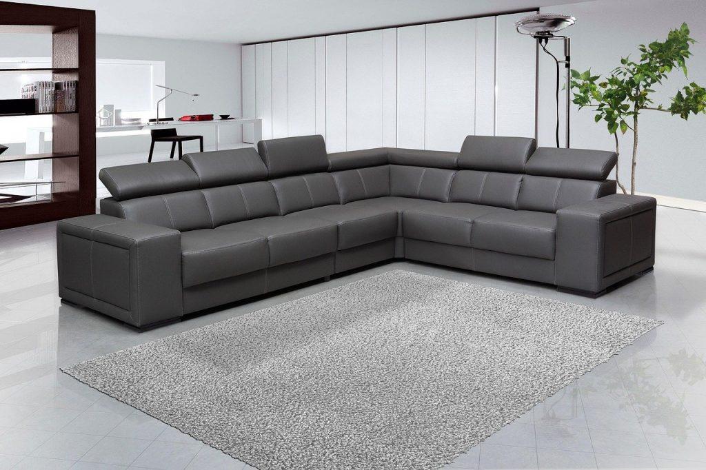 furniture 1580902915 1024x682 - איך לנקות רהיטים בבית
