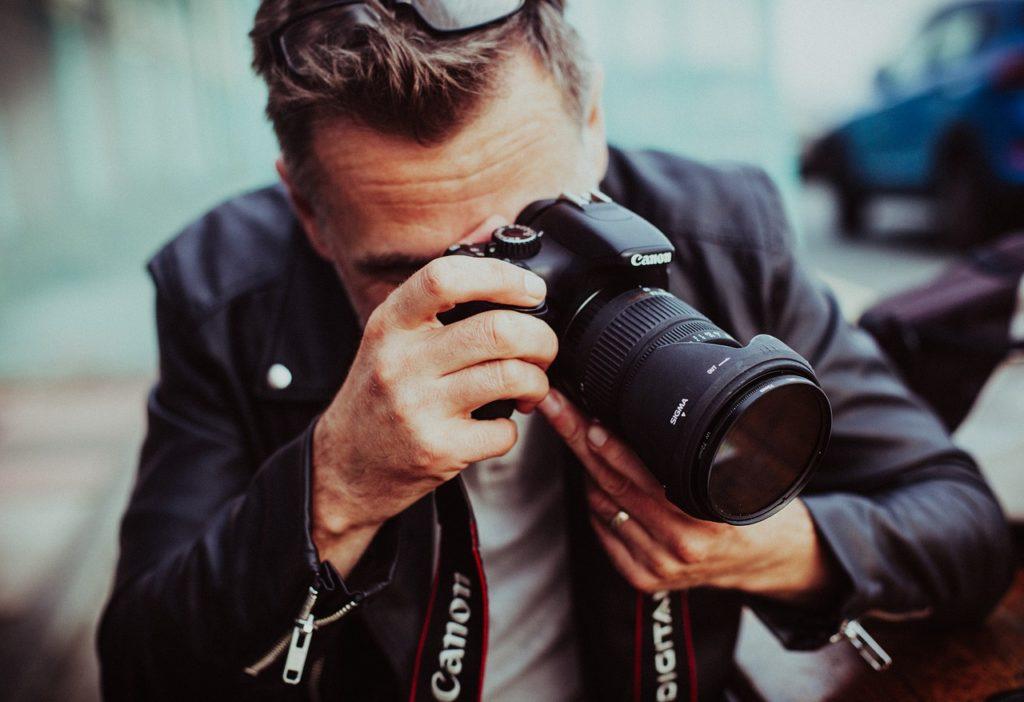מצלמה מקצועית