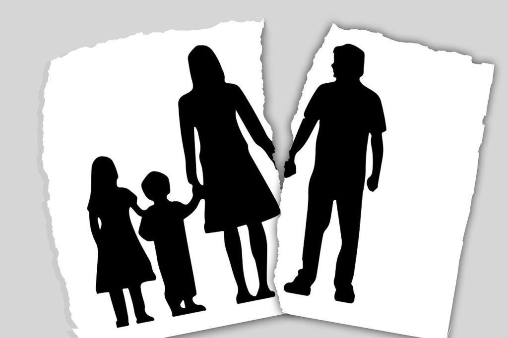 אילוסטרציה של משפחה שהתגרשה